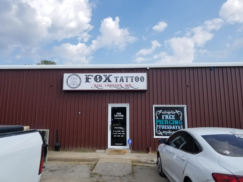 Fox Tattoo: 4006 S State Hwy 91, Denison, TX