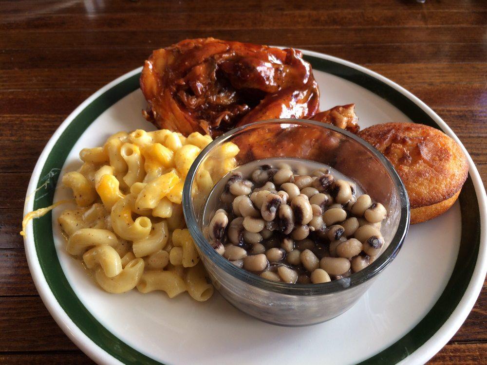 Pearl's Diner: 330 N Magnolia St, Laurel, MS