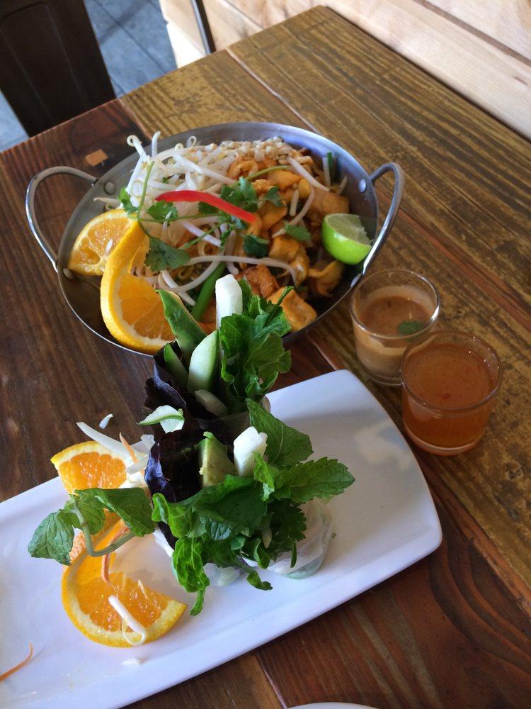 Thai Tanic Street Food