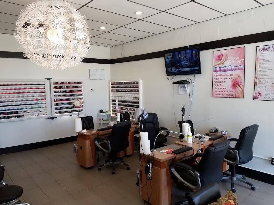 Us nails 36 photos 45 reviews nail salons 32713 for 6 salon in royal oak
