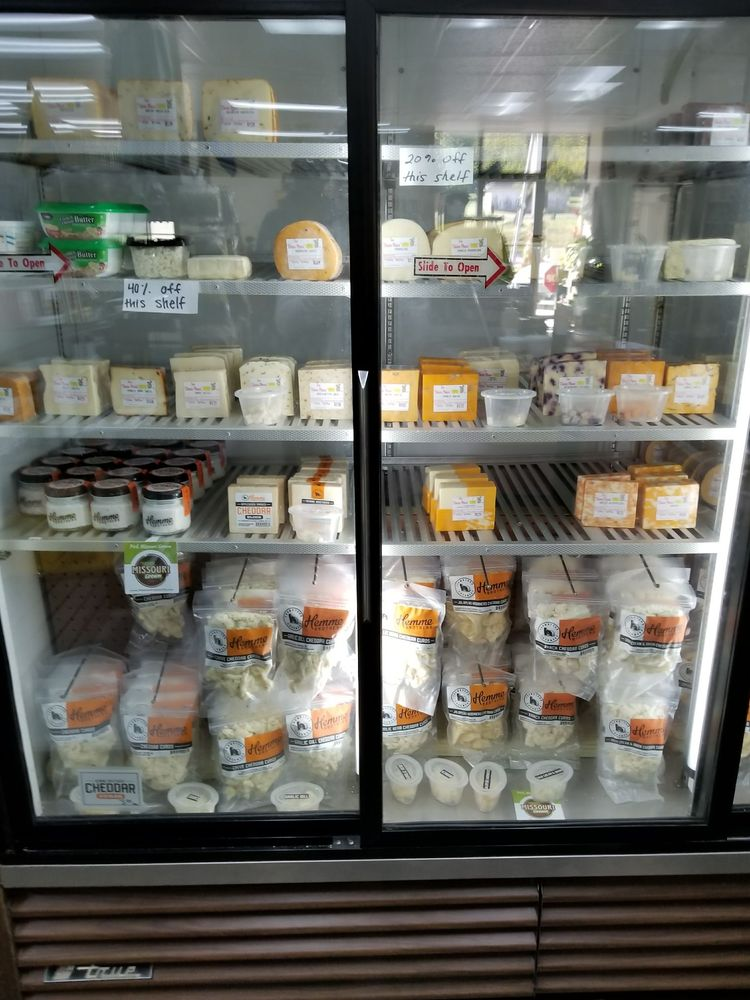 The Cheese Store: 100 N Locust St, Sweet Springs, MO