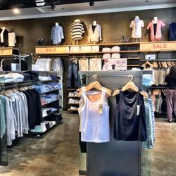 Muji 81 Photos 44 Reviews Home Decor 850 Stanford Ping Ctr Palo Alto Ca Phone Number Last Updated December 17 2018 Yelp