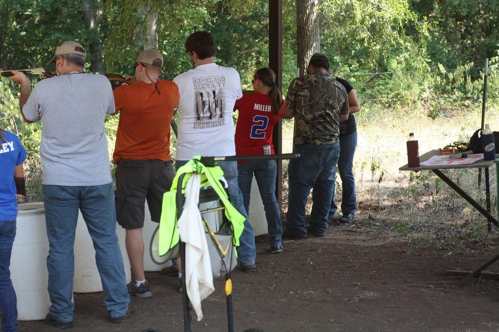 John's Guns Etc: 156 County Rd 305, Lott, TX