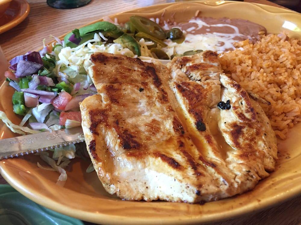El Portal Mexican Restaurant: 612 S Locust St, Glenwood, IA