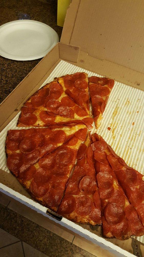 Riccardo's Italian Pizzeria: 247 Thain Rd, Lewiston, ID