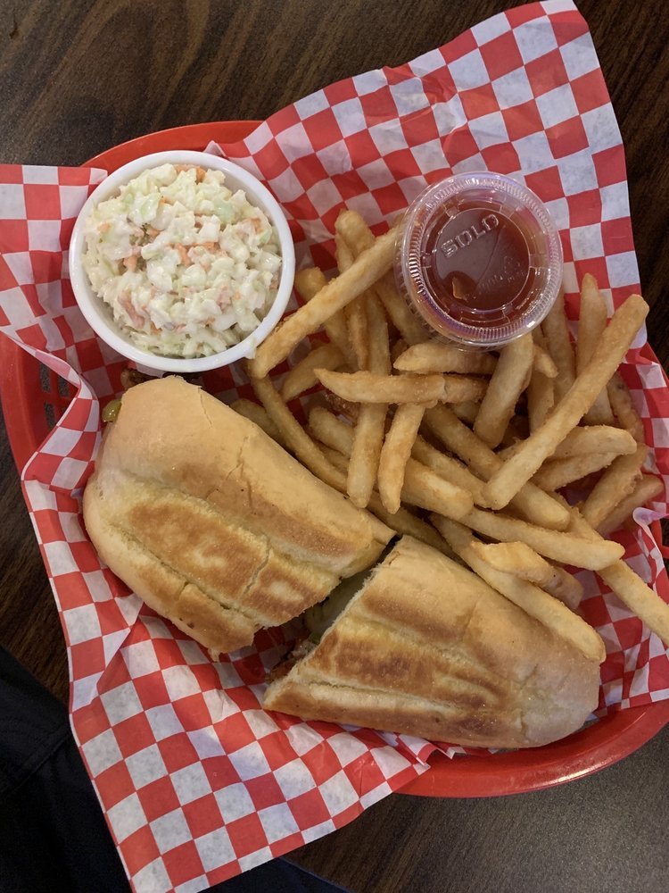Clair Tavern and Grill: 818 Market St, Clarington, OH