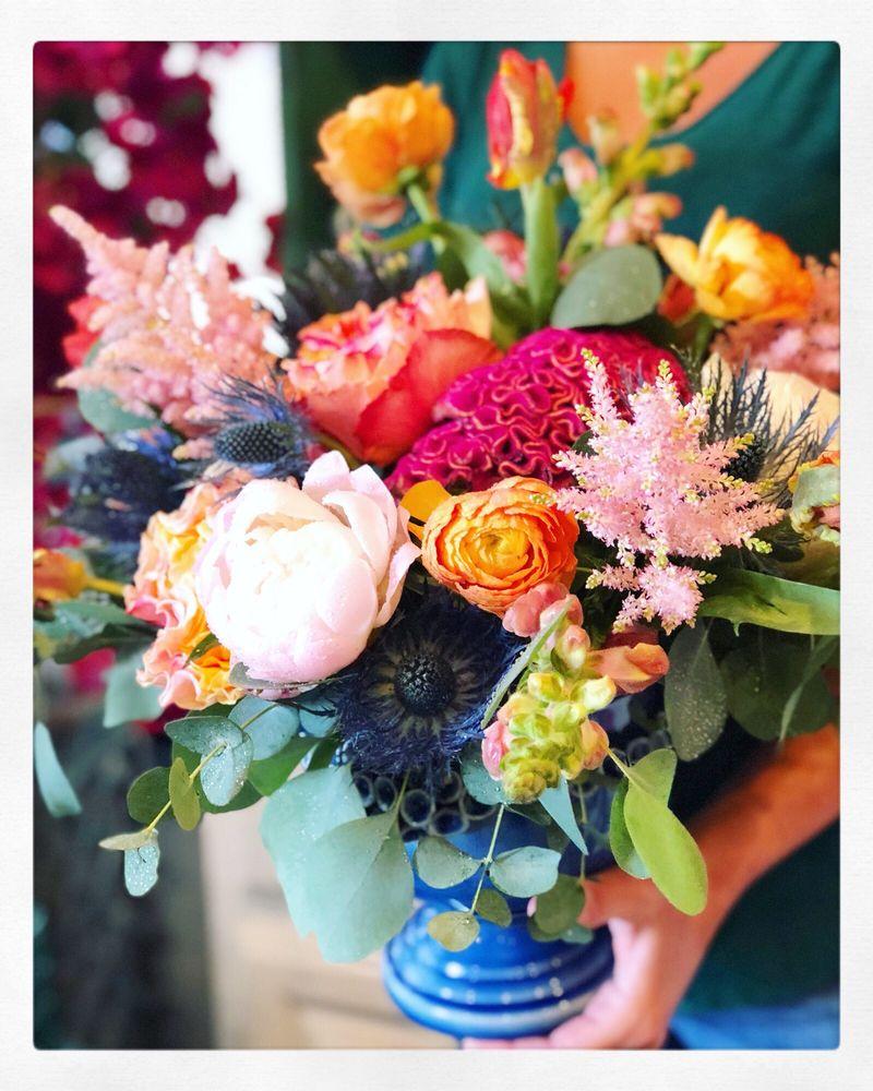 Liz Stewart Floral Design: 1404 3rd St S, Jacksonville Beach, FL