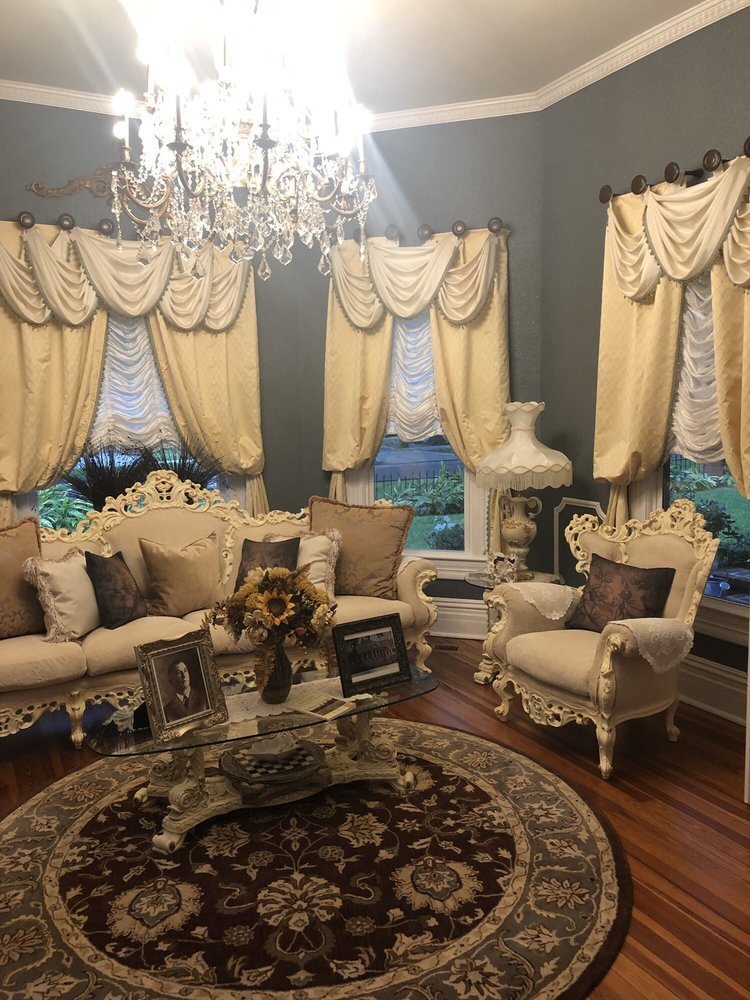The Sparkman House Luxury Bed And Breakfast: 707 N Collins St, Plant City, FL