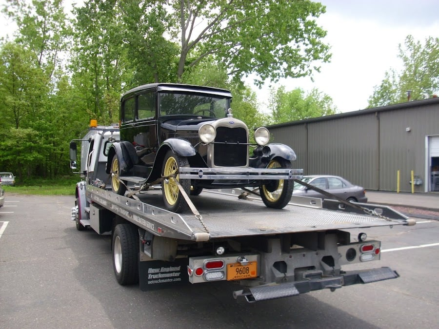 Towing business in Wallingford Center, CT