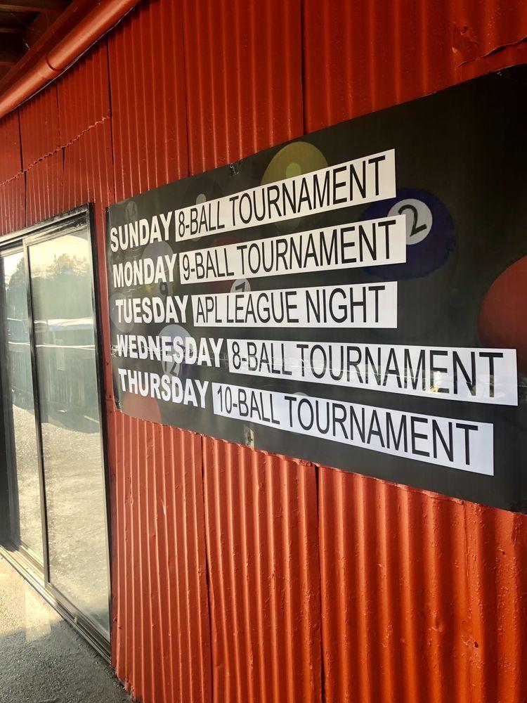 Ridge Runners Bar & Grill: 259 Warehouse Rd, Oak Ridge, TN