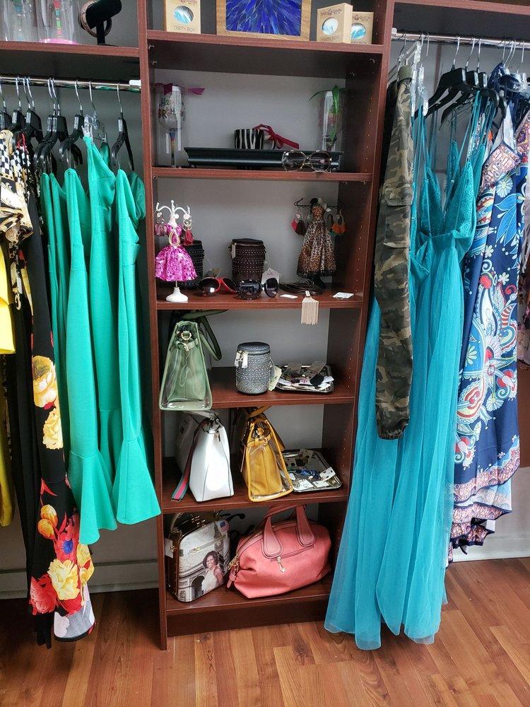 Curvitude Boutique: 908A Broad St, Augusta, GA