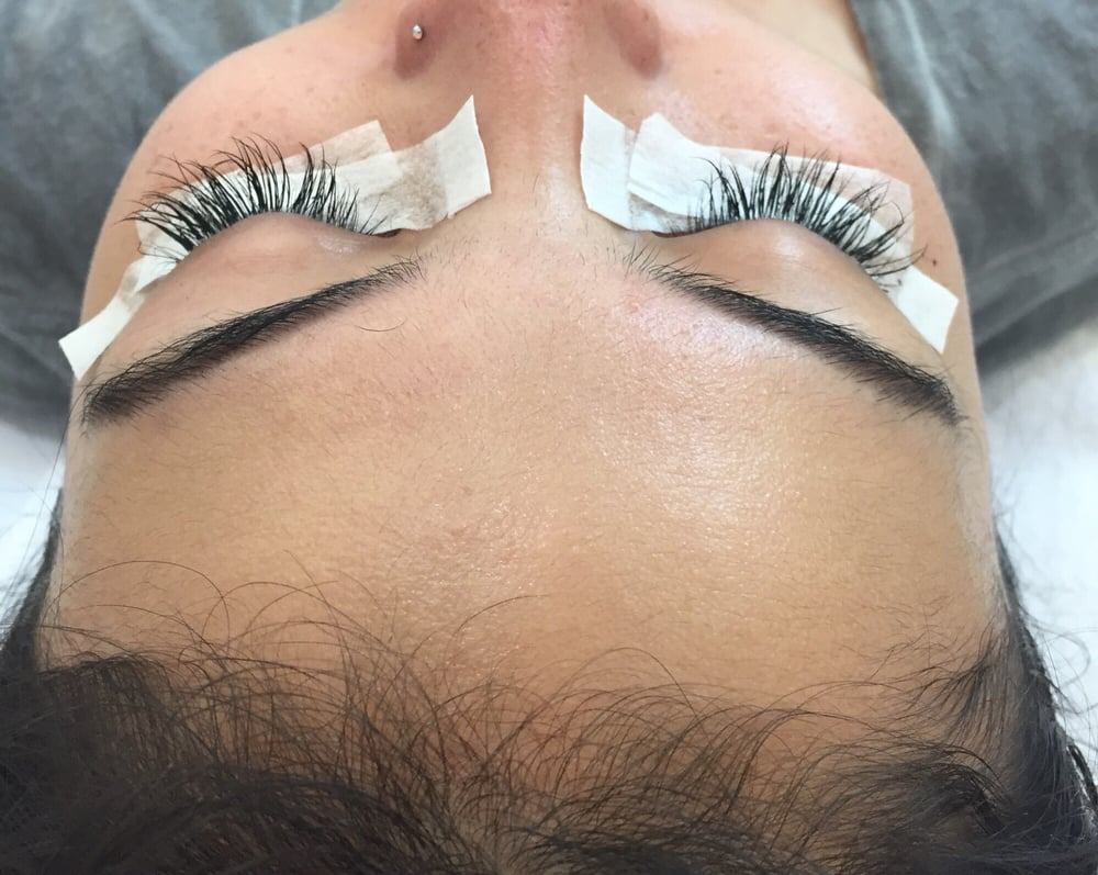 If You Want To Get Eyelash Extensions Ruthie Is The Woman To Go To