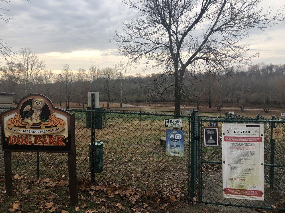 Friends of Murphysboro Dog Park: 2610 W Riverside Park Rd, Murphysboro, IL