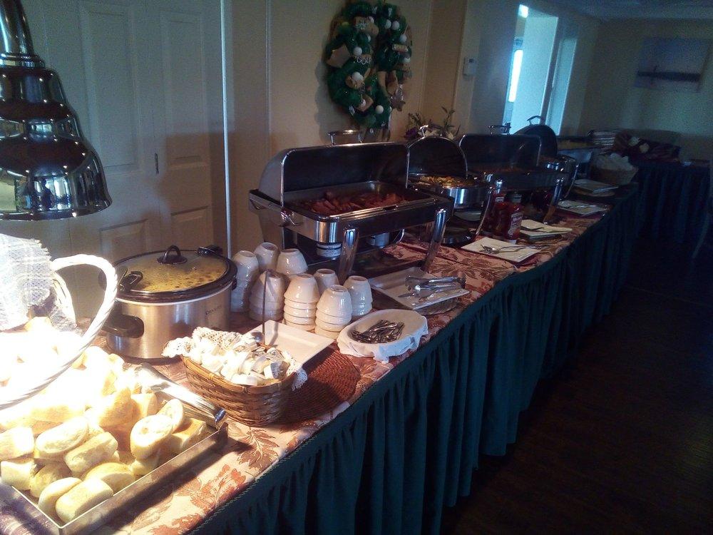 GreenView Restaurant: 152 Golf Club Rd, Canajoharie, NY