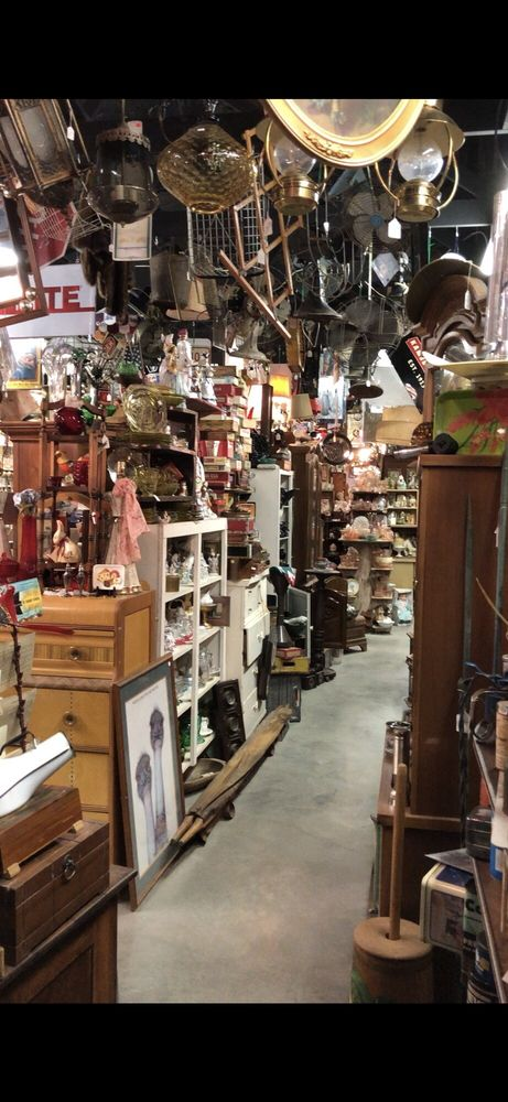 Anything Goes Trading: 41 West Baldree Rd, Boaz, KY