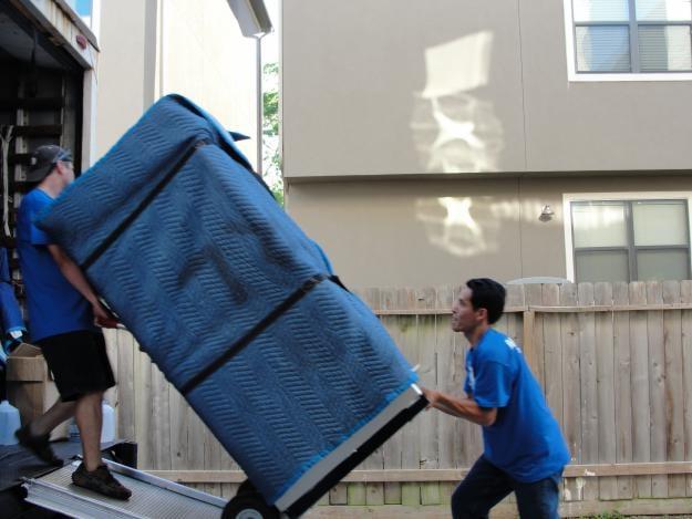 Shoreline Moving & Storage: 276 Old Clinton Rd, Westbrook, CT