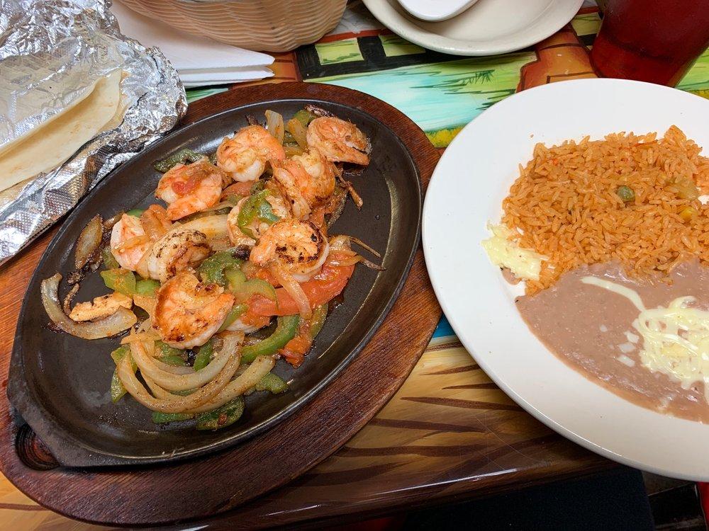 El Jefe Mexican Restaurant: 200 E Main Cross St, Edinburgh, IN
