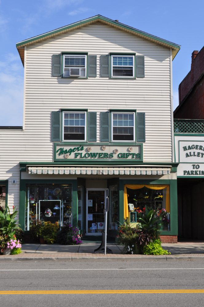 Hager's Flowers And Gifts: 25 W Main St, Gowanda, NY