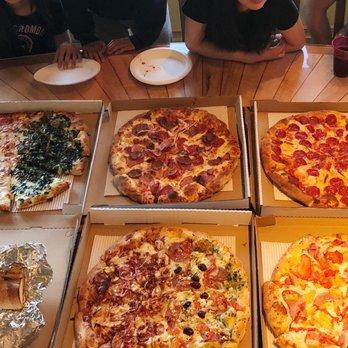 Mofos pizza incline village