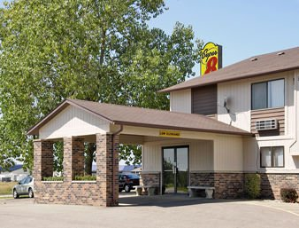 Super 8 by Wyndham Chariton: 169 E Grace Ave, Chariton, IA