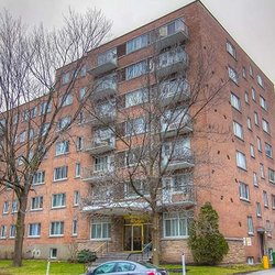 Photo Of Riviera Apartments Montreal Qc Canada 2480 Benny Crescent