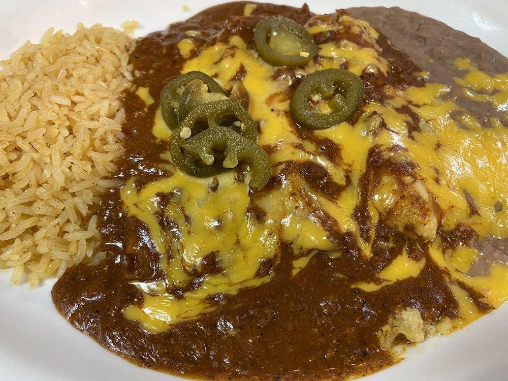 Oasis Mexican Restaurant: 1201 E Quinlan Pkwy, Quinlan, TX
