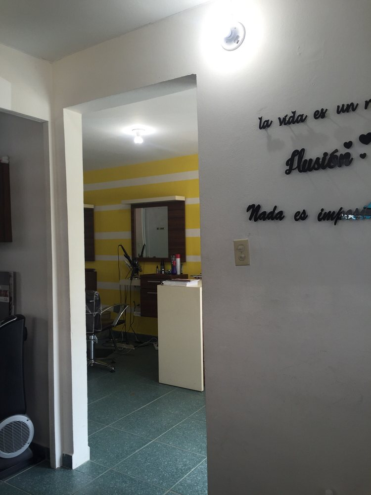Zoé Beauty Salon: Carr. 417 km. 1.1, Aguada, PR