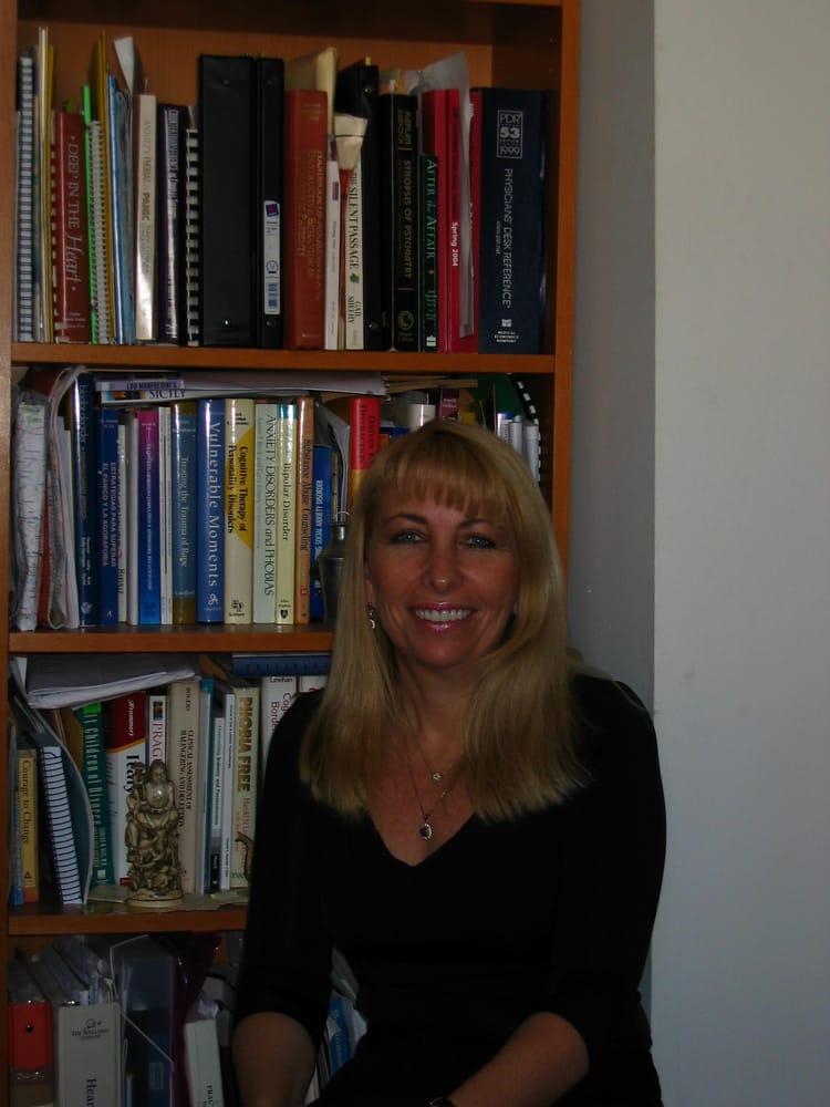 Patricia Escudero Rotman - CLOSED - Psychologists - 400
