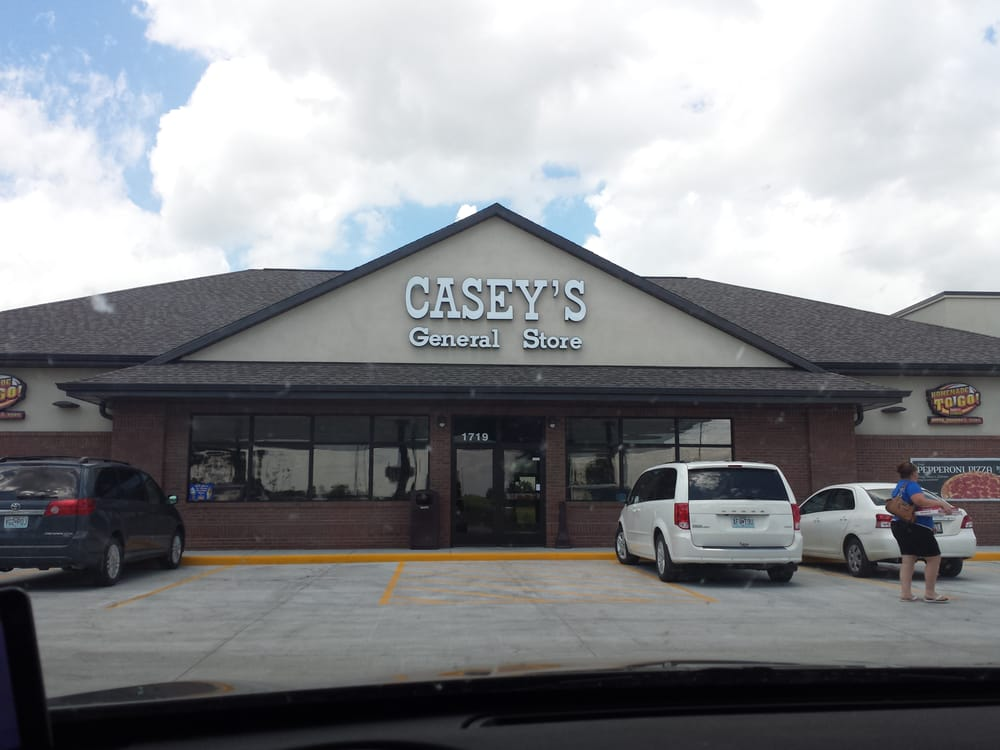 Casey's General Store: 1719 E 1st St, Maryville, MO