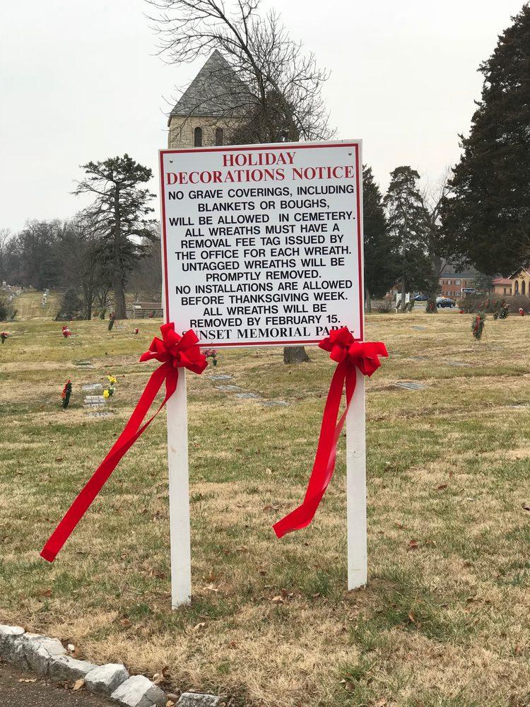Sunset Memorial Park & Mausoleum: 10180 Gravois Rd, Saint Louis, MO