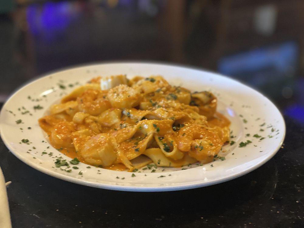 Acappella Italian Restaurant: 2402 Pleasantville Rd, Fallston, MD