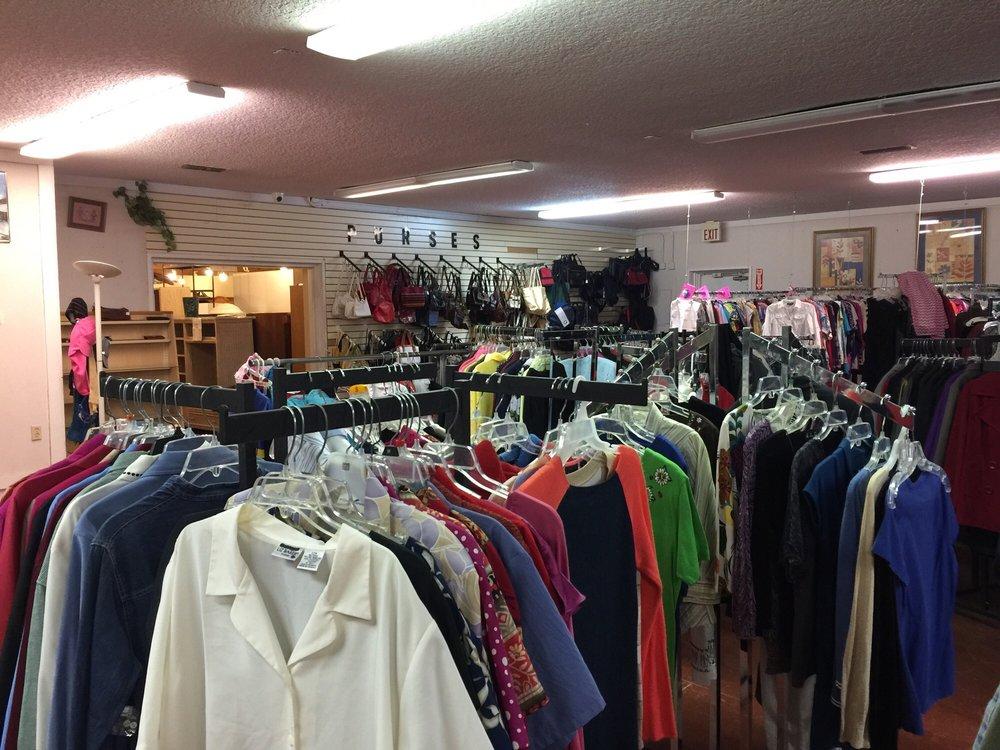 Quigley House Thrift Store: 1017 Blanding Blvd, Orange Park, FL