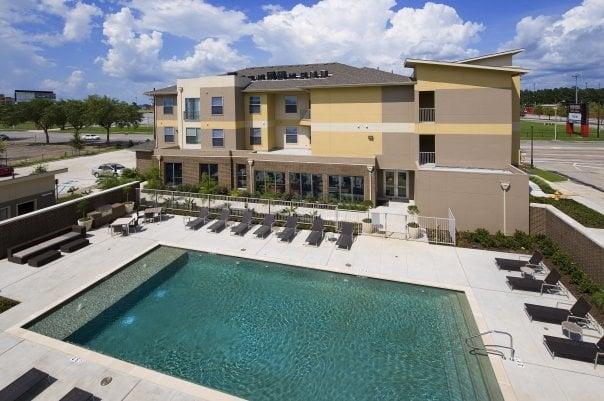 University house acadiana apartments 511 bertrand dr for Acadiana homes