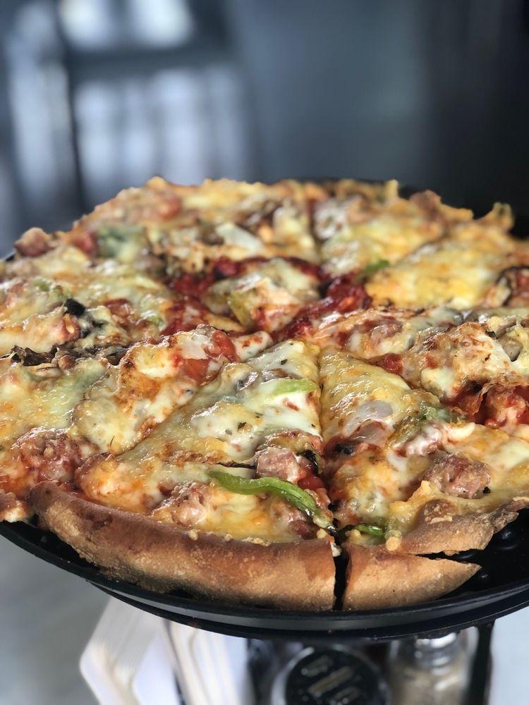 Silver Beach Pizza: 410 Vine St, Saint Joseph, MI