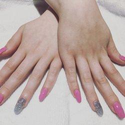 nails by carina