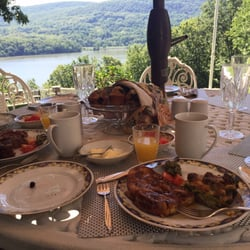 Hudson River Crest Bed And Breakfast