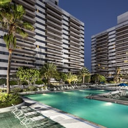 Barrington Plaza - 138 Photos & 118 Reviews - Apartments