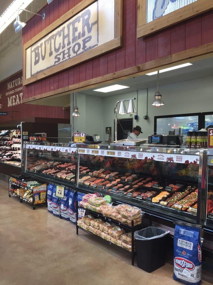 Fresh Thyme Farmers Market: 2900 University Ave, West Des Moines, IA