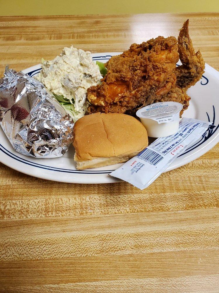 Maebob's Diner: 100 E Main St, Irwinton, GA