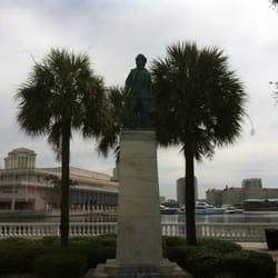 Columbus Statue Park logo