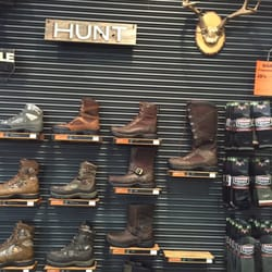 Danner - 44 Photos & 36 Reviews - Shoe Stores - 12021 NE Airport ...