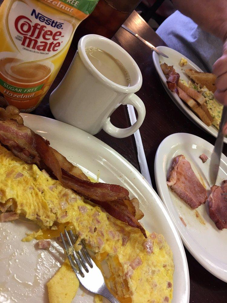 Waffle & Pancake House: 11 Truman St, Charleston, MO