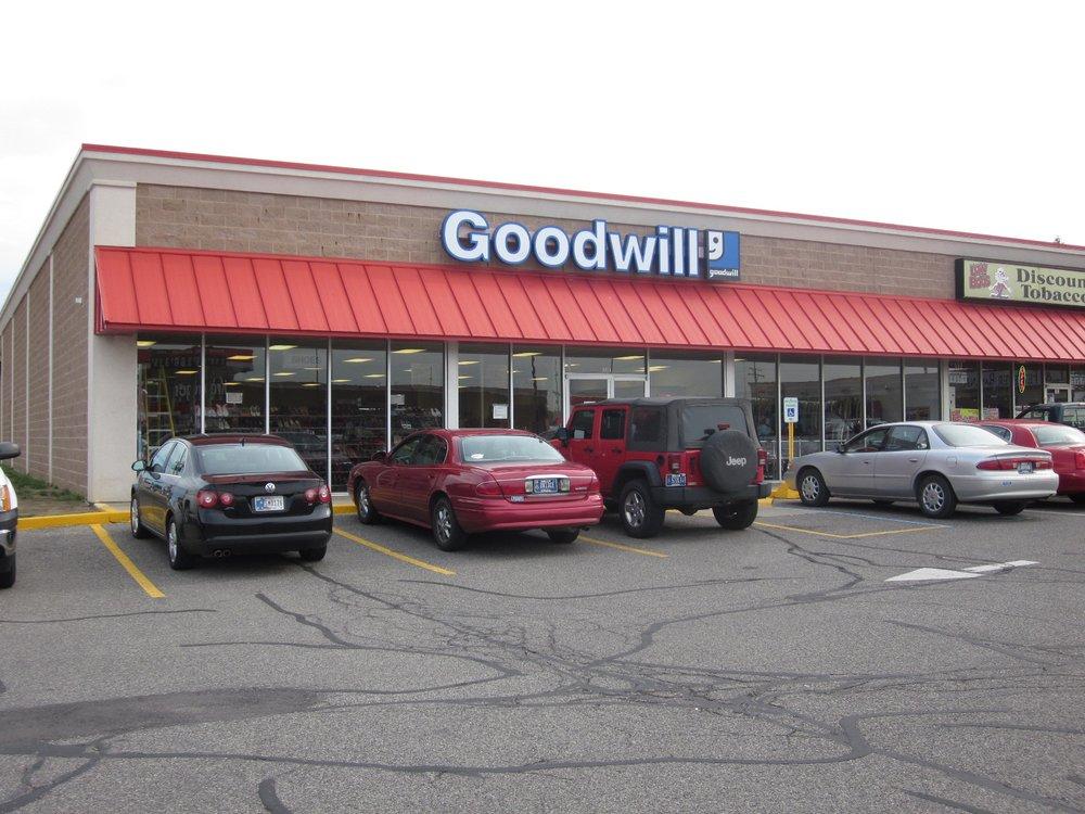 Goodwill Industries of Northeast: 1003 W 7th St, Auburn, IN