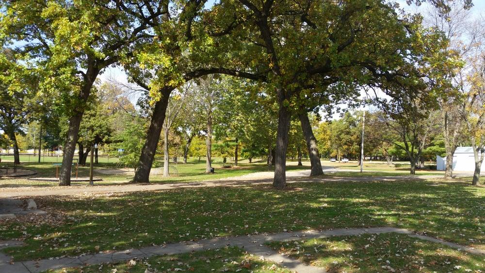Shore Acres Park: 100 Park Blvd, Chillicothe, IL