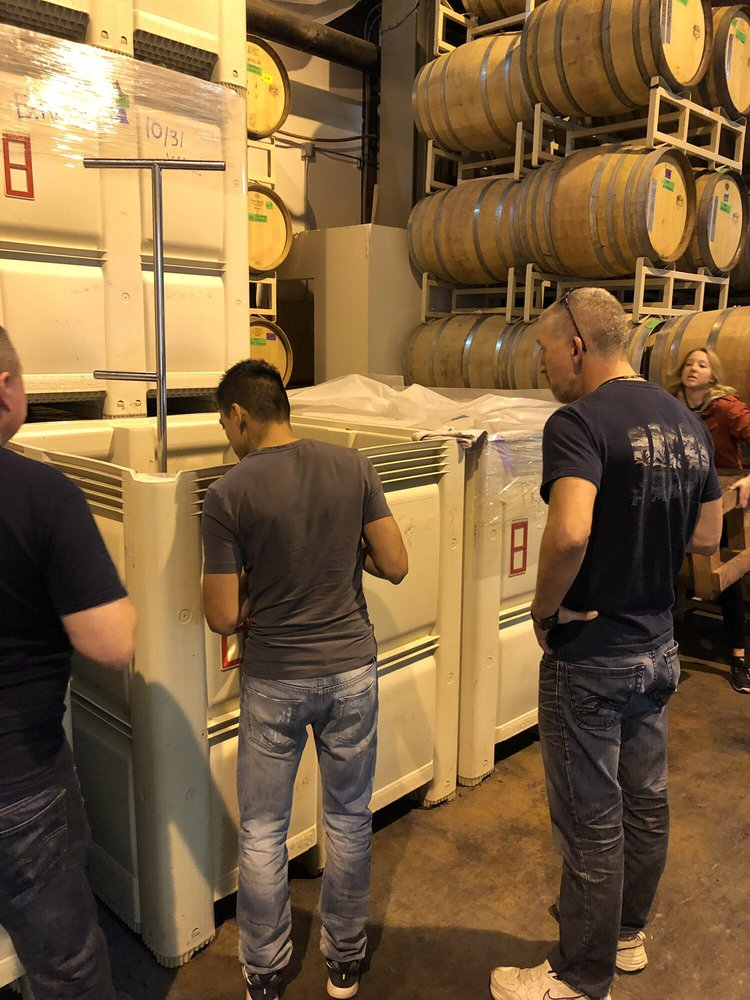 Seven Bridges Winery: 2303 N Harding Ave, Portland, OR