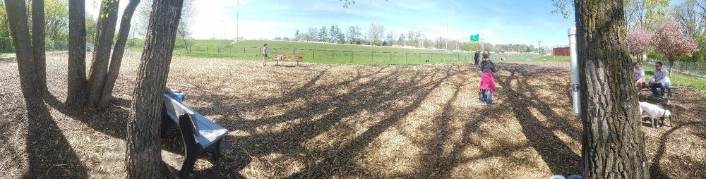Windsor Heights Dog Park: 6900 School St, Windsor Heights, IA