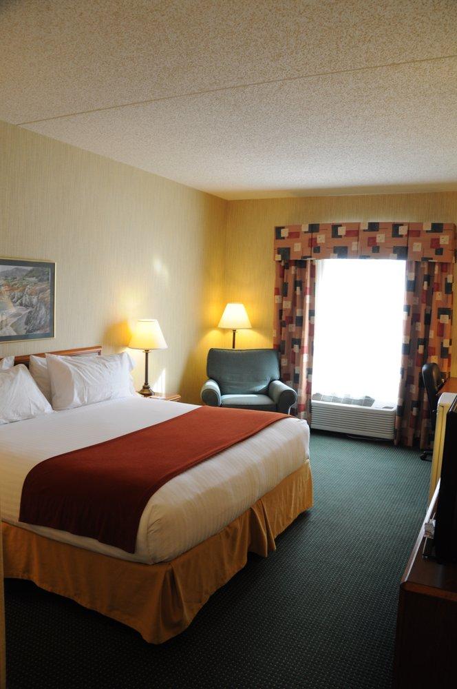 Ozark Hills Inn: 1605 Imperial Dr, West Plains, MO