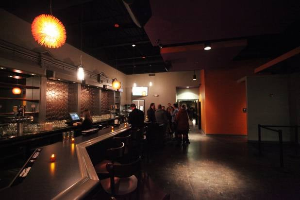 Helium comedy club elements bar grille 76 photos 80 reviews comedy clubs 30 - Buffalo grill ticket restaurant ...