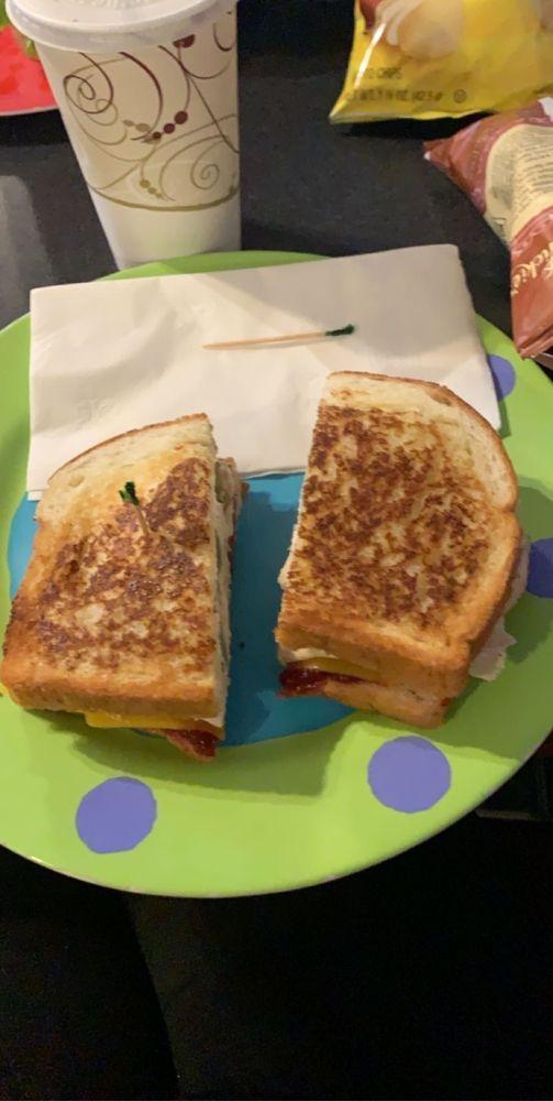 Food from Jen's Deli