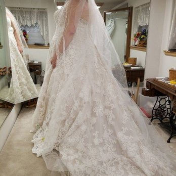 A Stitch In Time by Dianne - 13 Reviews - Bridal - 3366 Parade Cir E ...